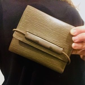 LOUIS VUITTON Epi Porte Feiulle  Elastique Wallet
